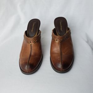 Bare Traps Brown Expert Mules/Clogs in a size 7M